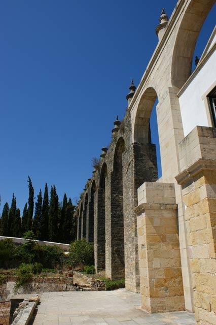 Акведук замка