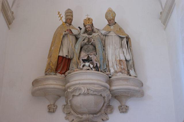 Скульптура коронования в монастыре Алкобаса