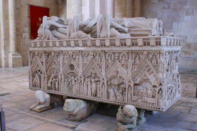 Захоронение португальской королевы.
