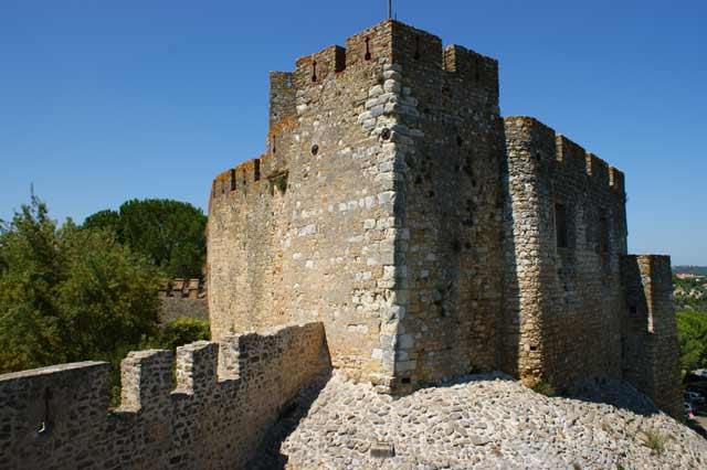 Башня замка рыцарей-тамплиеров в Томаре
