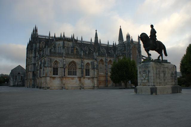 Монастырь Батальи и памятник Жуау I