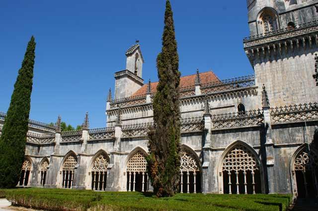 Внутренний дворик монастыря. Баталья