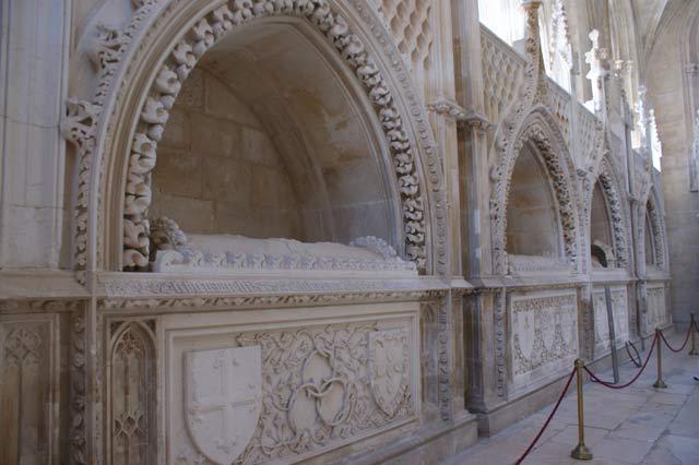 Усыпальница королей в монастыре. Баталья